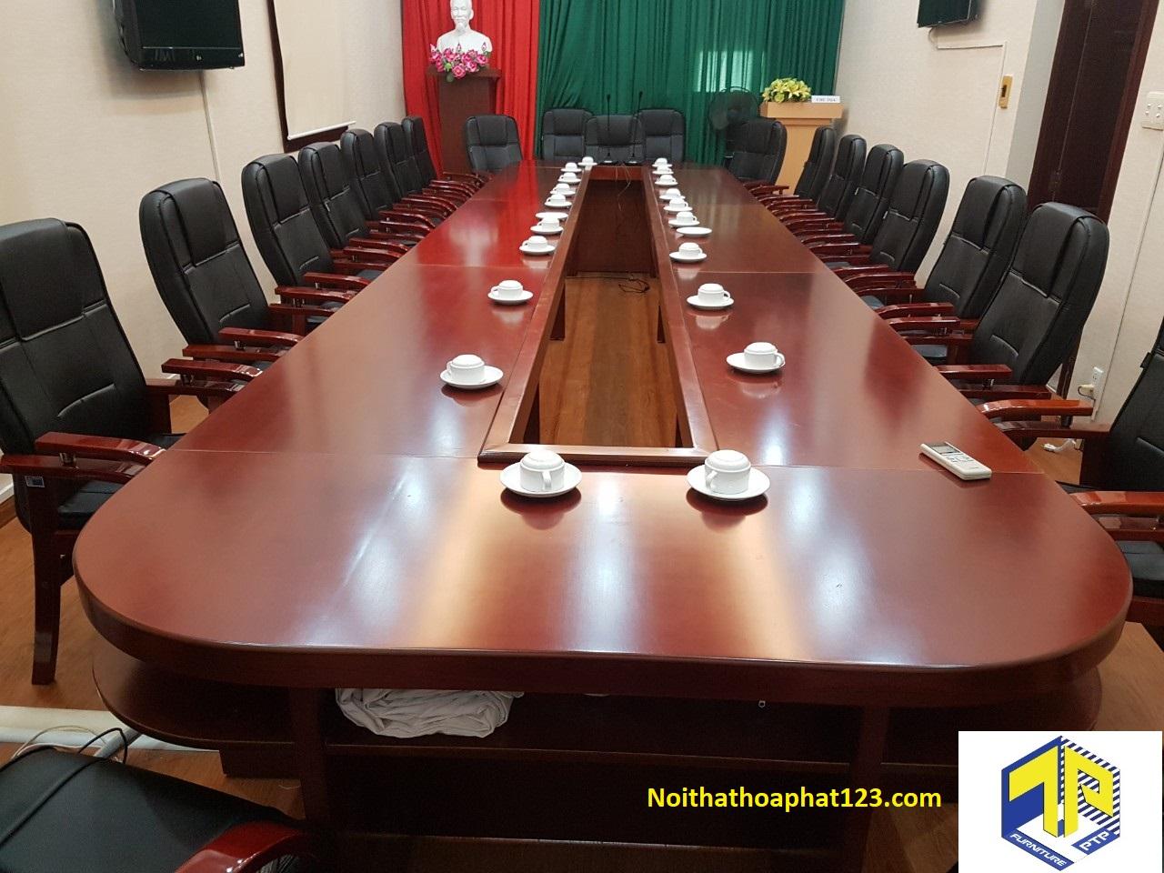 bàn ghế phòng họp hcm